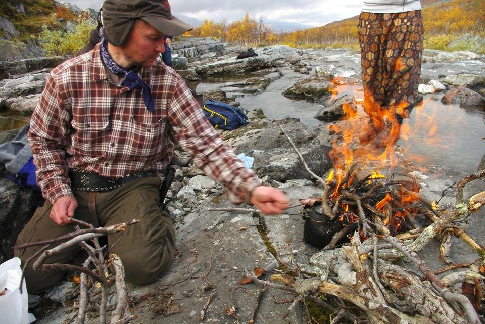 Standard ssotl oula valkeapaa making a fire netta norro