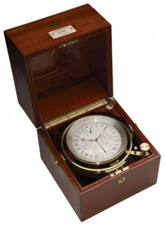 Standard marine chronometer