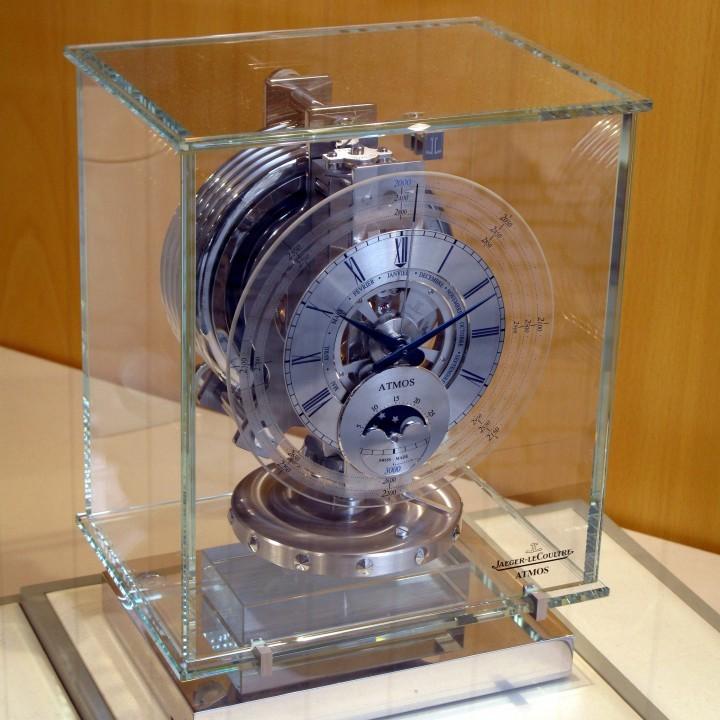 Standard atmos clock 720x720